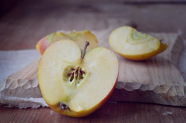 apple-1248811_1920